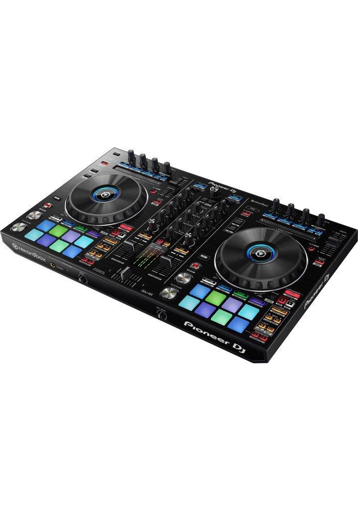 DDJ-RR - DDJ-RR er en 2-kanals controllertil Pioneers egen DJ-software Rekordbox DJ med den grafiske brugerflade integreret i knapper på controlleren.Denhar Needle Search, Grid Adjust, tre Release-effektknapper til hver afspiller adopteretfra remix-stationen RM