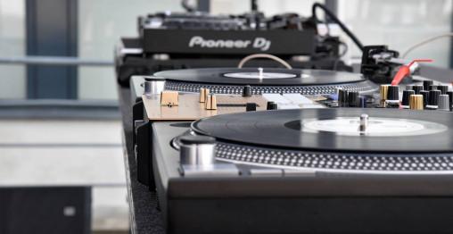 DJ Pakketilbud